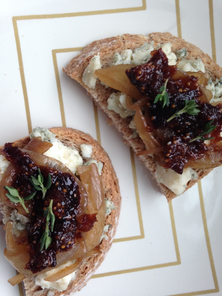 Crostini with Gorgonzola, Caramelized Onions and Fig Jam